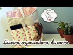 lixinho organizador para carro #Dinhatododia #veda4 - YouTube Backpack Pattern, Bing Video, Couture, Organizer, Diaper Bag, Lunch Box, Patches, Quilts, Sewing