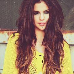 Selena Gomez- I love her hair style