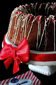 Yksi herkullisimmista kahvikakuista on ehdottomasti, tämä suklainen Mariannekakku. Ohjeen alkuperää en enää valitettavasti muista, jote... Finnish Recipes, Cakes Plus, Fruit Bread, Baked Donuts, Little Cakes, Trifle, Christmas Is Coming, Xmas, Coffee Cake