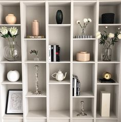 DIY billy bokhylla Ikea - Interior By Linda Wallgren - - DIY billy bokhylla Ikea - Interior By Linda Wallgren Ikea Interior, Home Decor Bedroom, Home Living Room, Interior Design Living Room, Living Room Decor, Ikea Billy Hack, Living Room Shelves, Ikea Shelves, Decoration