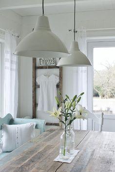 Pendant Lights + farmhouse table + old ladder + clean whites   Le JaRdin de l'îL d'ElLe