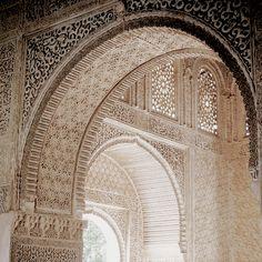 Aladdin, Wrath And The Dawn, Pug, Disney Aesthetic, Fantasy Story, Le Palais, Islamic Architecture, Arabian Nights, Moorish