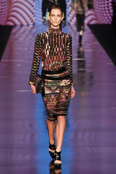 Etro Fall 2013 Ready-to-Wear Fashion Show - Aymeline Valade