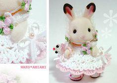 イメージ 1 Bat Pattern, Sylvanian Families, Bunny Toys, Tiny Dolls, Family Outfits, Diy Crochet, Cute Pictures, Doll Clothes, Teddy Bear