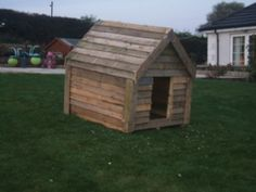 dog house made of pallets