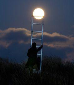 creative moon photography