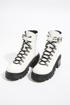 This article will allow you with your shoes and select Sock Boots Outfit, Ankle Boots Outfit Fall, Lace Up Boots, Black Boots, Leather Boots, Shoe Boots, Pu Leather, Galaxy Converse, Style Grunge