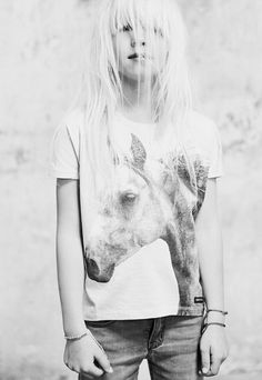 Look Spring Summer 2015 – Finger in the nose