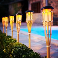 Pair of Solar Powered LED Bamboo Garden Torches Paar solarbetriebene LED-Bambus-Gartenfackeln Contemporary Outdoor Lighting, Outdoor Lighting Landscape, Bamboo Landscape, Pathway Lighting, Bamboo Light, Bamboo Lamp, Torches Tiki, Garden Torch, Bamboo Design