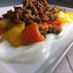 Beef, Food, Yogurt, Red Peppers, Table, Recipes, Meat, Eten, Ox