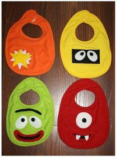 This is for you to see Sara Newman Druck. Set of 4 Yo Gabba Gabba bibs Brobee Muno Plex DJ Lance Diy Pour Enfants, Next Children, Yo Gabba Gabba, Kids Corner, Baby Crafts, Baby Sewing, Baby Patterns, Baby Bibs, Baby Items