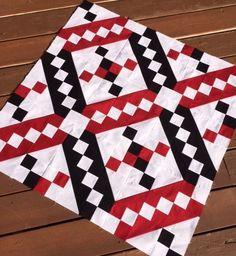 Happy Quilting: Jacob's Ladder Start!! Log Cabin Quilt Pattern, Barn Quilt Patterns, Pattern Blocks, Quilting Patterns, Quilting Ideas, Knit Patterns, Quilting Tutorials, Quilting Projects, Quilting Designs