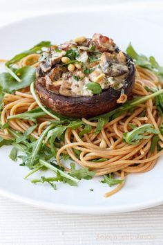 Gevulde portobello met rucolaspaghetti