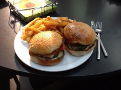 Hamburger buns, recipe based in all the help i got over here.. With pics - A Thermomix Forum sharing recipes, ideas and questions.