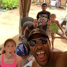 See How Celebs Spent Their Summer Vacation - Michael Strahan