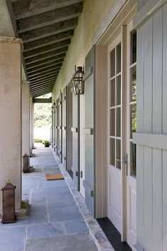Trendy Exterior Shutters On Stucco Porches Design Exterior, Exterior Colors, Exterior Shutters, Exterior Houses, Wall Exterior, Exterior Trim, Window Shutters, Cabana, Porches