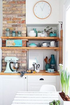 Open shelving helps make a small kitchen seem larger. Kitchen makeover by Alison Allen. Kitchen Interior, New Kitchen, Kitchen Decor, Kitchen Small, Kitchen Shelves, Kitchen Ideas, Cheap Kitchen, Kitchen Island, Small Kitchens