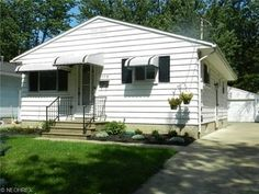 558 Baldwin Ave, Elyria OH 44035 - Zillow