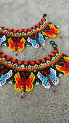 Handmade embera bold and colorful print using the friendly details of mariposas (butterflies). Sun a fun look that is great from art galas to the workplace. Handmade Jewelry, Unique Jewelry, Handmade Gifts, Bead Loom Designs, Crochet Necklace, Beaded Necklace, Beaded Collar, Beaded Jewelry Patterns, Loom Beading