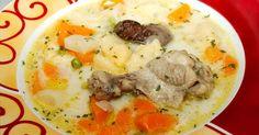 Mennyei Csirke becsinált leves recept! Csirkeaprólékból készült csirke becsinált leves recept, nálunk nagy kedvenc. Csirkeaprólékból én a lábát nem szoktam belefőzni, de természetesen az is belekerülhet. :) Laktató, és nagyon finom leves, mivel tejszínt is teszek bele, tulajdonképpen egy ragulevesről van szó.