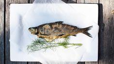Kokonaisena grillattu siika Sikke Sumarin ohjeella - Kotiliesi.fi Halloumi, Seafood, Turkey, Fish, Meat, Sea Food, Turkey Country, Pisces, Seafood Dishes