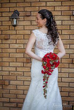 Ramo Novia / Bride Bouquet / Ideas Matrimonio / Wedding ideas Bride Bouquets, Wedding Ideas, Wedding Dresses, Fashion, Wedding Bouquets, Boyfriends, Bridal Bouquets, Bride Dresses, Moda