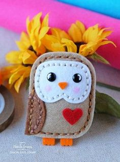 Create a Unique Bouquet of Felt Hearts – DIY Crafts – Guidecentral – Needle Felting Felt Owls, Felt Birds, Felt Christmas Ornaments, Christmas Crafts, Primitive Doll Patterns, Owl Crafts, Yarn Crafts, Felt Patterns, Felt Ornaments Patterns