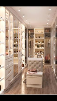 Ankleidezimmer Umkleideraum Interior Decorating: Proper Way to Light the Home Article Body: One of t Walk In Closet Design, Bedroom Closet Design, Closet Designs, Diy Bedroom, Master Bedroom, Luxury Bedroom Design, Master Suite, Bedroom Ideas, Bedroom Storage Ideas For Clothes
