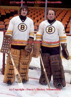 Gilbert and Cheevers old school Bruins Hockey Goalie, Hockey Teams, Hockey Players, Hockey Room, Hockey Rules, Boston Bruins Goalies, Nfl Highlights, Goalie Mask, Nhl News