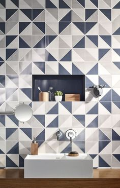 Decorar con formas geométricas: trama de baldosas de cerámica en forma de triángulos #decoracion #formasgeometricas #triangulos