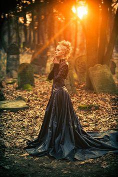 Photographer: Nicholas Javed Designer: Justyna Waraczyńska-Varma Hair/Makeup: Studioadria Model: Aleksandra Olbryt