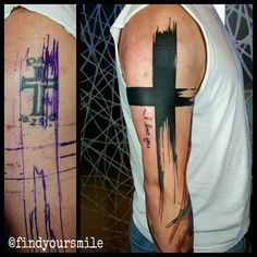 Thats one way to do a cover up! #watercolor #watercolortattoo #watercolour #watercolourtattoo #watercolortattoos #watercolourtattoos #tattoo #colortattoo #abstract #abstracttattoo #cross #crosstattoo...