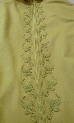 Zardozi Embroidery, Hand Embroidery Dress, Crystal Embroidery, Morrocan Kaftan, Moroccan Dress, African Clothing For Men, African Men Fashion, Muslim Fashion, Mens Kurta Designs