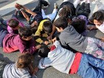 Enfants roms à Bobigny, France, août 2013 © F.Bajande