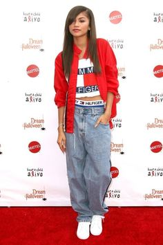 Zendaya S 90s Fashion Throwback Is Too Chill Not To Copy