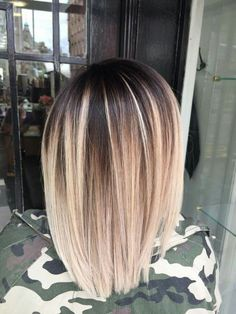 Ideas hair color short crazy blondes You are in the right place about balayage hair blonde Hair Color And Cut, Ombre Hair Color, Hair Color Balayage, Blonde Balayage, Short Balayage, Color Streaks, Hair Colour, Ombré Hair, Fall Hair