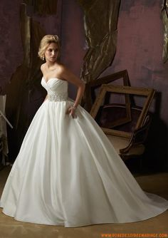 Robe de mariée princesse taffetas perles col en coeur
