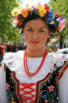Very beautiful woman - Polish Krakowski Dancing Costume - Poland Poland Culture, Polish Embroidery, Polish Clothing, Visit Poland, Polish Folk Art, Costumes Around The World, Thinking Day, My Heritage, Folk Costume