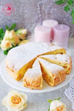 delikatne i puszyste ciasto z jabłkami i cukrem pudrem