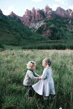 Fall 2017 Collection - Wunderkin Co. // Coming September 12th at 10am MT. - Classic hair bows made to embolden your baby, toddler or little girl and her free spirited style. All of our bows are handmade by women in the USA and guaranteed for life. Pick your favorite for your next fall adventure. - Click for style details. // photo by Suzy Holman