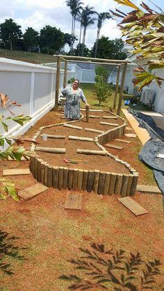15 Smart Designs of How to Make Bamboo Ideas For Backyard Garden Edging, Garden Borders, Garden Yard Ideas, Garden Beds, House Plants Decor, Home Vegetable Garden, Garden Structures, Garden Planning, Amazing Gardens