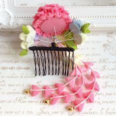 つまみ細工*小花の髪飾り(パステルカラー)                                                                                                                                                                                 もっと見る