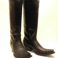 Black Boots #cotwm #instafashion #instagood #styleinspiration #fashion #shoelover #boots #style #styleguide #styleicon