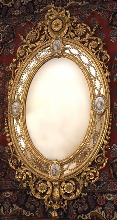 A Victorian giltwood and gilt composition mirror, by C. Nosotti, Note glimpse of wallpaper! Victorian Mirror, Victorian Decor, Victorian Homes, Victorian Era, Victorian Fashion, Victorian Furniture, Antique Furniture, Objets Antiques, Vintage Mirrors