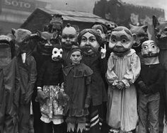 21 Vintage Halloween Costumes That Will Make Your Skin Crawl