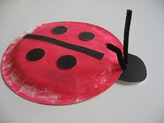 Paper plate ladybug - work on circles and lines Projects For Kids, Craft Projects, Crafts For Kids, Arts And Crafts, Craft Ideas, Paper Plate Crafts, Paper Plates, Painting For Kids, Art For Kids