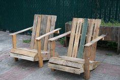 dettagli home decor: Riciclo creativo anche in giardino poltrone in legno grezzo
