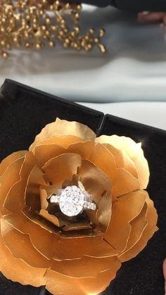 Stacked Wedding Rings, Wedding Rings For Women, Trendy Wedding, Deco Engagement Ring, Engagement Ring Settings, Sunflower Ring, Wedding Ring Designs, Ring Verlobung, Solitaire Ring