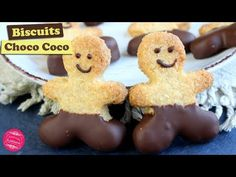 🥥 BISCUITS CROUSTILLANTS CHOCOLAT NOIX DE COCO ~ RECETTE FACILE 🥥 - YouTube Chocolate Coconut Cookies, Chocolate Recipes, Biscuits Croustillants, Dessert Light, Pastry Recipes, Gingerbread Cookies, Brown Sugar, Cookie Cutters, Make It Yourself