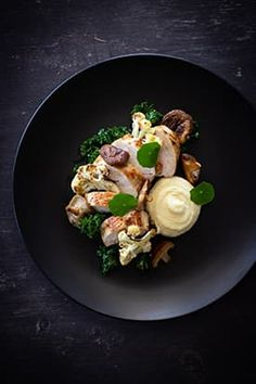 dinner recipes fine dining chicken Roasted Chicken Breast, Parsnip Puree, Cauliflower, Shiitake & Kale - Temptation For Food Parsnip Puree, Potato Puree, Gourmet Recipes, Cooking Recipes, Healthy Recipes, Gourmet Foods, Gourmet Desserts, Dinner Recipes, Gourmet Food Plating